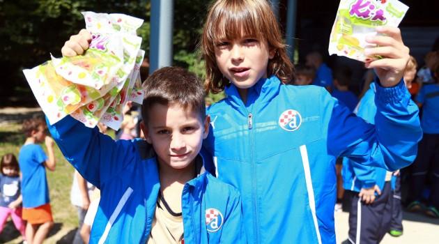 Prekrasno druženje djece i Modrih u Maksimiru