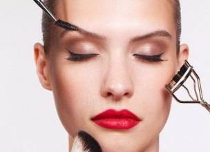 Najčešće greške koje radimo kada se šminkamo!