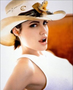 Angelina Jolie_square