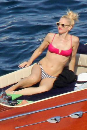 celebrety_bikini_