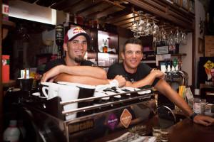 Martin i Valent Sinkovic u ulozi konobara