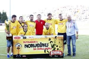 Pobjednicka ekipa s Ivicom Olicem i Darkom Ivancevicem