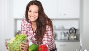 žena-zdrava-hrana-povrće