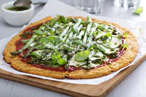 zdrava-pizza-šparoge